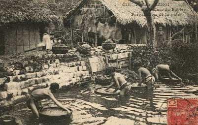 Nghề giấy Làng Bưởi - Yên Thái - Hà Nội (Ảnh chụp khoảng năm 1930)